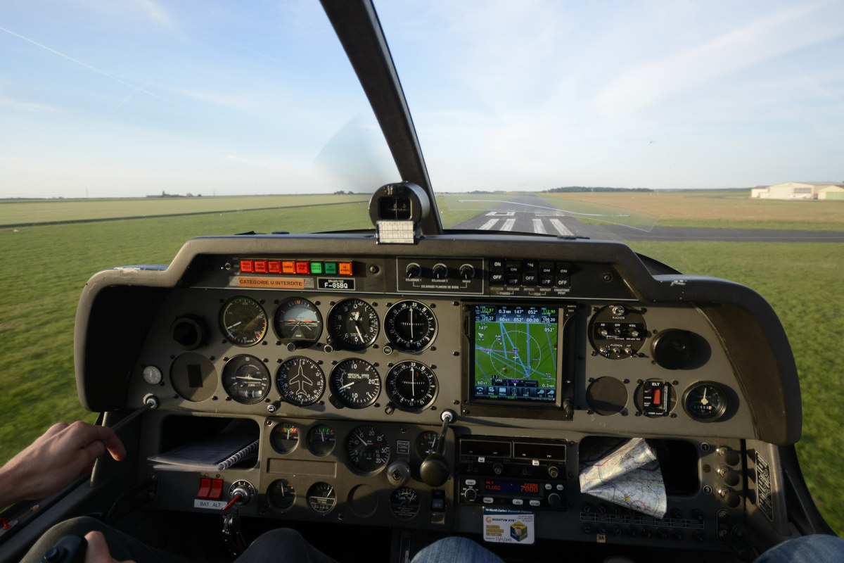 FGSBQ FR400 glass cockpit